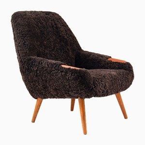 Dänischer Sessel mit Schafsfellbezug, 1950er