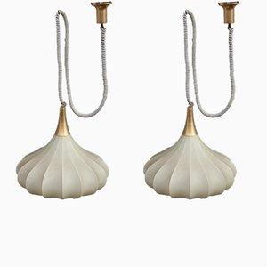 Lámpara colgante italiana Mid-Century de latón y resina, años 60. Juego de 2