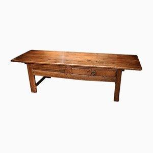Mesa de centro antigua de castaño