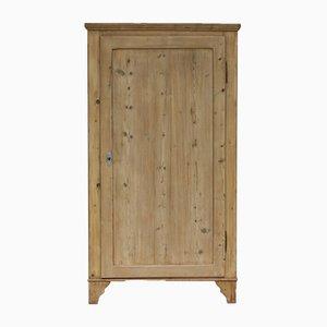 Armario antiguo de madera blanda