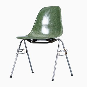 Mid-Century Fiberglass Dining Chair by Charles & Ray Eames for Herman Miller