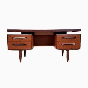 Dänischer Schreibtisch von G-Plan, 1960er
