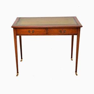 Antiker Schreibtisch aus Mahagoni & Leder