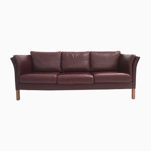 Sofá de tres plazas danés Mid-Century grande de cuero marrón y rojo de Mogens Hansen, años 70