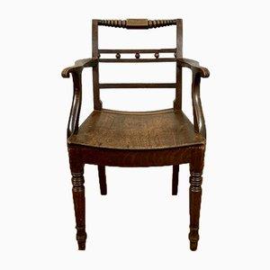 Antiker englischer Carver Stuhl