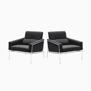 Mid-Century Model 3300 Airport Lounge Chairs by Arne Jacobsen for Fritz Hansen, 1960s, Set of 2