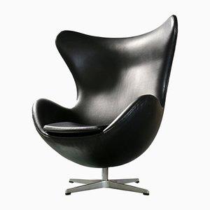 Chaise Œuf Modèle 3316 Vintage en Cuir Noir par Arne Jacobsen pour Fritz Hansen