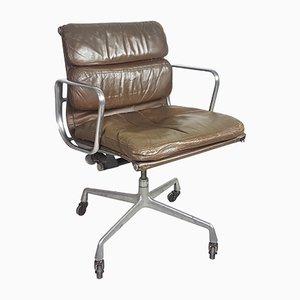 Sedia da scrivania in pelle marrone scura di Charles & Ray Eames per Herman Miller, anni '70