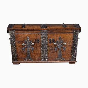 Baule antico in quercia e metallo