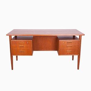 Freistehender Schreibtisch aus Teak von A. Vodder, 1960er