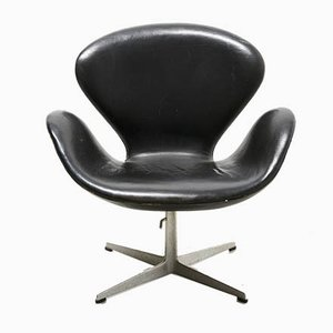 Leather Lounge Chair by Arne Jacobsen for Fritz Hansen, 1958