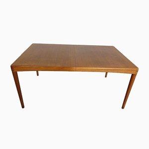 Mesa de comedor danesa extensible de teca de H. W. Klein para Bramin, años 60