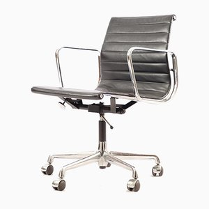 Mid-Century EA 119 Swivel Chair by Charles & Ray Eames for Herman Miller