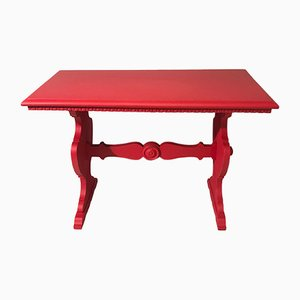 Rot lackierter Mid-Century Tisch aus Nussholz