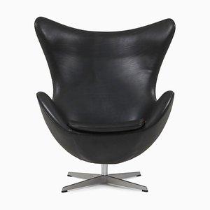 Egg Chair in pelle nera di Arne Jacobsen per Fritz Hansen, anni '50