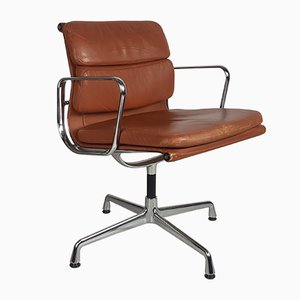 Silla de escritorio de cuero curtido de Charles Eames para Herman Miller, años 80
