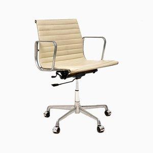 Vintage Modell EA108 Drehstuhl aus Leder von Charles Eames für ICF, 1970er
