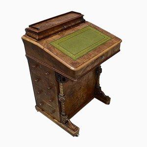 Kleiner englischer Schreibtisch aus Nussholz im viktorianischen Stil, 19. Jh.