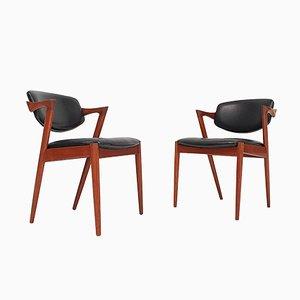 Modell 42 Esszimmerstühle mit Gestell aus Teak & Bezug aus Kunstleder von Kai Kristiansen für Schou Andersen, 1960er, 2er Set