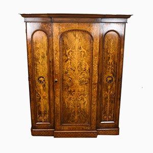 Antiker viktorianischer Kleiderschrank aus Nussholz