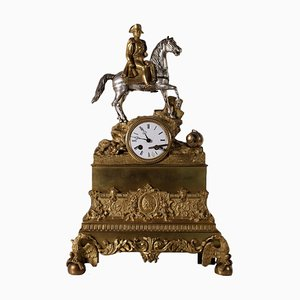 Reloj de mesa antiguo de bronce dorado