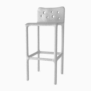 Chaise sculptée blanche par Victoria Yakusha