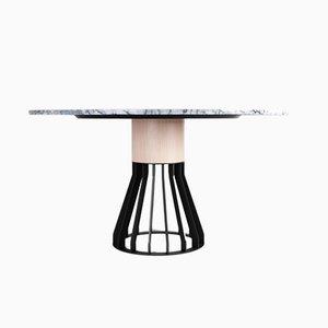 Mesa de comedor Mewoma de mármol de Jonah Takagi