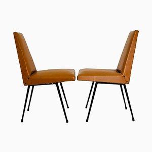 Sillas de escritorio vintage de cuero sintético marrón y metal, años 60. Juego de 2