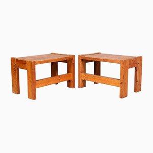 Mesas auxiliares suecas de madera de pino, años 70. Juego de 2