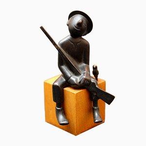 Sculpture Hunter with Little Bird en Bronze par Franz Hagenauer pour Hagenauer, 1950s