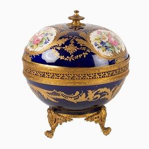 Antike Bobondose aus vergoldetem Porzellan & Bronze