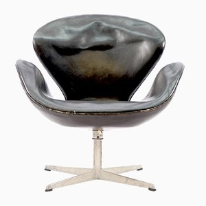 Mid-Century Swan Chair by Arne Jacobsen for Fritz Hansen