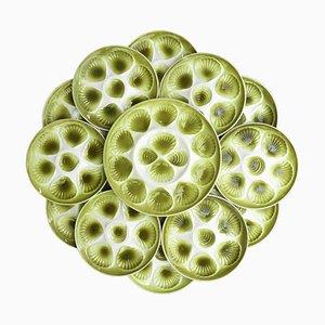 Juego de platos y bandeja para ostras vintage de porcelana verde y blanca de Moulin des Loups, años 60