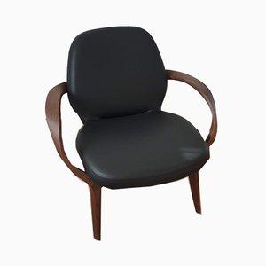 MIA Stuhl mit Gestell aus Nussholz & schwarzem Lederbezug von Jader Almeida