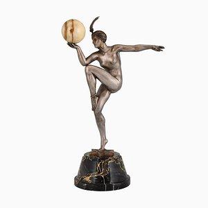 Escultura de bailarina con bola Art Déco de bronce de Maurice Guiraud-Rivière para Etling Foundry, años 20