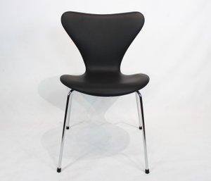 Sedia da pranzo modello 3107 in pelle nera di Arne Jacobsen per Fritz Hansen, anni '80