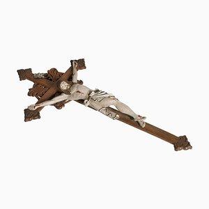 Italienisches Kruzifix aus geschnitztem Holz, 19. Jh.