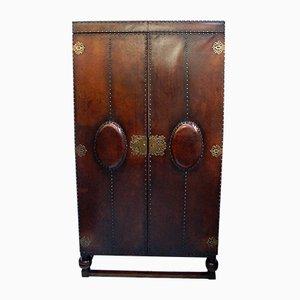 Armario victoriano antiguo de roble y cuero