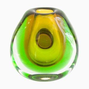 Jarrón vintage de vidrio sumergido de Vladimir Mika para Moser Glasswork, años 60