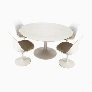 Dining Table & Chairs Set by Eero Saarinen for Knoll Inc. / Knoll International, 1960s