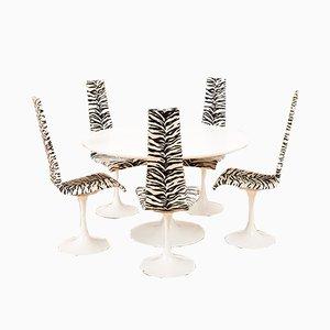 Modell Lyra Esstisch & Stühle aus aus Metall & weiß lackiertem Holz von Maurice Burke für Arkana, 1960er