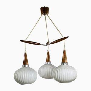Opalisierende Deckenlampe aus Opalglas, 1960er