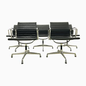 Drehbare Modell EA108 Esszimmerstühle aus schwarzem Leder von Charles & Ray Eames für Vitra, 1990er, 5er Set