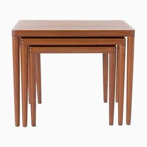 Tavolini ad incastro in teak di H. W. Klein per Bramin, Danimarca, anni '60, set di 3