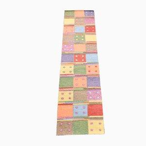 Alfombra de pasillo turca vintage de retales de lana, años 90