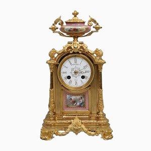 Reloj de repisa francés antiguo de bronce dorado y porcelana de Japy Freres