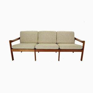 Sofá de tres plazas danés de teca de Illum Wikkelsø para Niels Eilersen, años 60