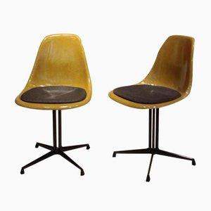 Sillas auxiliares modelo La Fonda de fibra de vidrio de Charles & Ray Eames para Herman Miller, años 70. Juego de 2