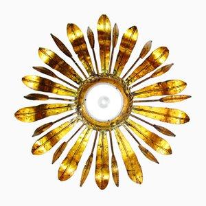 Lámpara de techo Mid-Century en forma de sol dorada, años 50