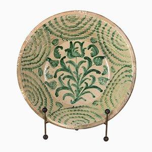 Plato español antiguo de cerámica